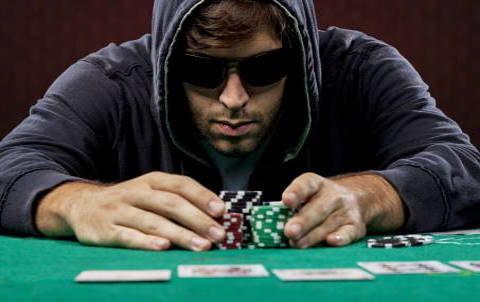 Комбинации карт в покере на сайте клуба Плейдом